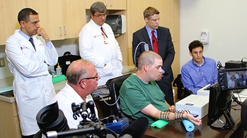 Media witnessing medical history in the making copyright Ohio State University, 2014 Media download