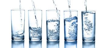 Funktionen von Mineralwasser für Magen und Darm