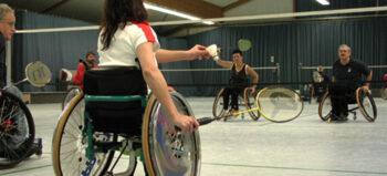 Rollstuhl-Badminton