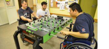 Tischkicker für Rollstuhlfahrer