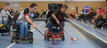 Elektro-Rollstuhl-Sport: E-Hockey im Powerchair