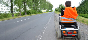 Trunkenheit im Rollstuhl – Darf man betrunken Rollstuhl fahren?