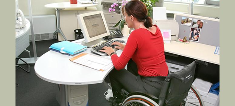 Gegen kalte Beine am Schreibtisch – Die Untertischheizung