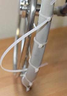 Spike-Variante : Verschlüsse liegen auf dem Profil des Reifens.