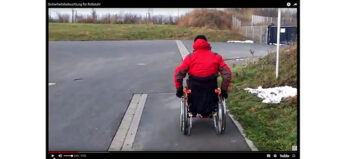 Sicherheitsbeleuchtung am Rollstuhl