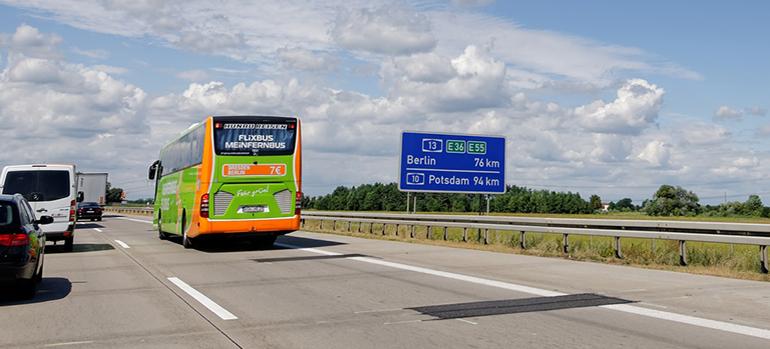 Studie: Keine Barrierefreiheit in Fernbussen