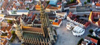 Mit dem Bauaufzug aufs Ulmer Münster