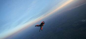 Fallschirm statt Rollstuhl