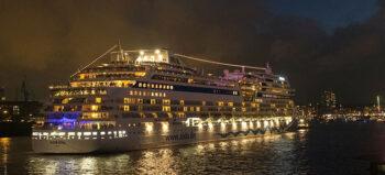 Auf dem Kreuzfahrtschiff nach Dubai: Tetraplegiker erlebt den Orient