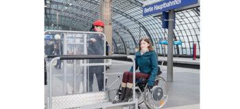 Beim Bahnfahren: Hilfeleistung als Service