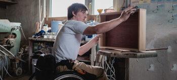 Bei Unfallrente: Weniger Lohn für schwerbehinderte Arbeitnehmer?