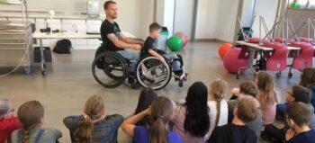 Schulprojekt informiert über Leben mit Querschnittlähmung