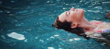 Schwimmen mit Querschnittlähmung: Optimales Training für den Körper und die Seele