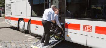 Ein Blick auf IC Bus und FlixBus: So rollstuhlgerecht sind Fernlinienbusse