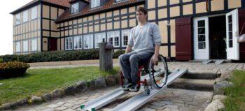 Im Rampenlicht: Mobile Rollstuhlrampen