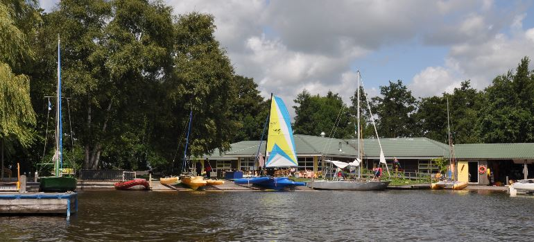 Barrierefreier Wassersporturlaub in den Niederlanden