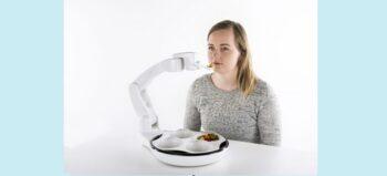Für mehr Unabhängigkeit auch bei Tisch: Essroboter kann Gelähmte unterstützen