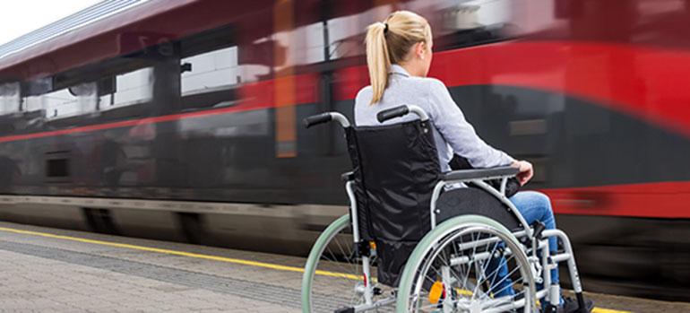 Als Rollstuhlfahrer unterwegs im öffentlichen Nahverkehr