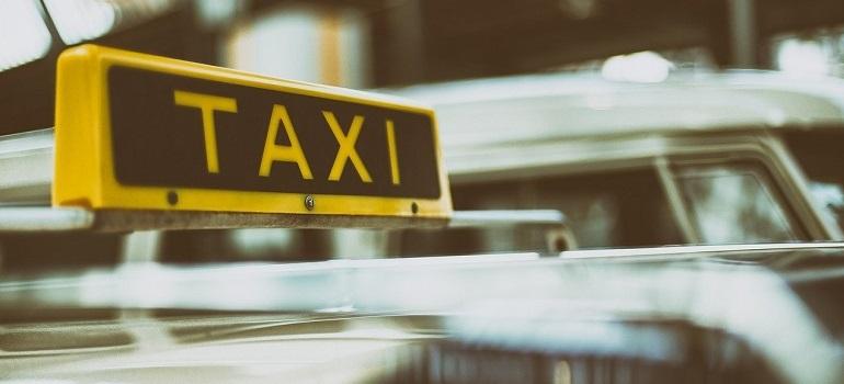 Hallo Taxi! Welche Fahrdienste Menschen mit Querschnittlähmung zustehen