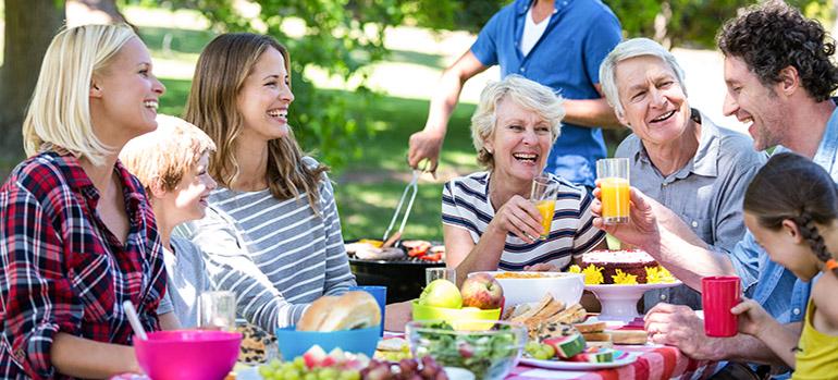 Richtig essen an heißen Tagen: Sechs Tipps für den Speiseplan