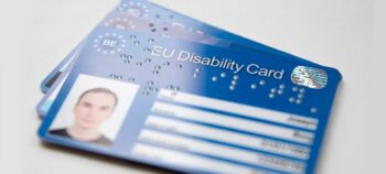 Rechte von Menschen mit Behinderungen: Ein Behindertenausweis für die gesamte EU